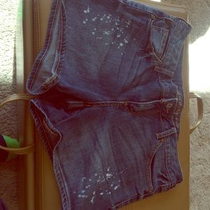 Arizona Jean Company Pants - Blue jean shorts with white splatters