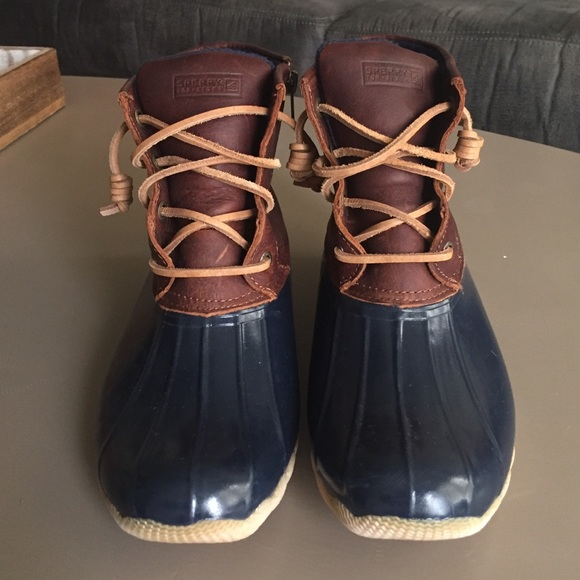 Beautiful 45 Off LL Bean Shoes  Women39s Bean Boots 8quot Tannavy Size 6 Medi