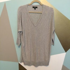 Mossimo Supply Co Tops - 🌿Grey oversized v-neck with 3/4 sleeves
