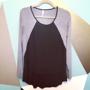 Tops - 🆕 Grey and black chiffon top