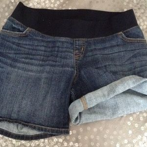 Liz Lange for Target Pants - LizLange Maternity shorts Size Small