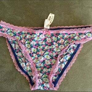  NWT  Floral Victoria's Secret Panties