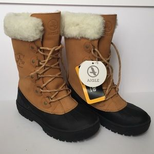 Aigle Shoes - NIB AIGLE Cabestan Winter Duck Boots with Fur Trim