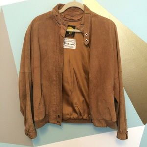 Jackets & Blazers - 🆕 Tan suede jacket. Vintage.