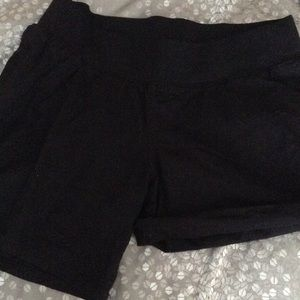 Liz Lange for Target Pants - Maternity shorts black Size Small