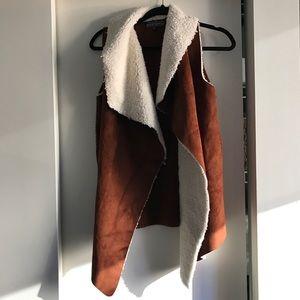 Fur/skin Vest