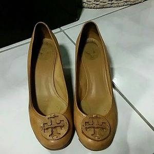 Tory Burch Cognac Tan Leather Sally Wedge