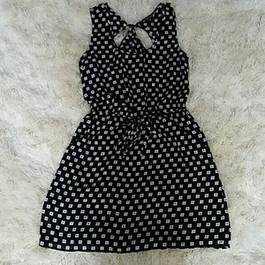 Dresses & Skirts - 🌱🌹Cut Out Back Print Dress
