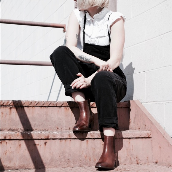 02d3fffb5 Frye Shoes   Dara Chelsea Boot   Poshmark
