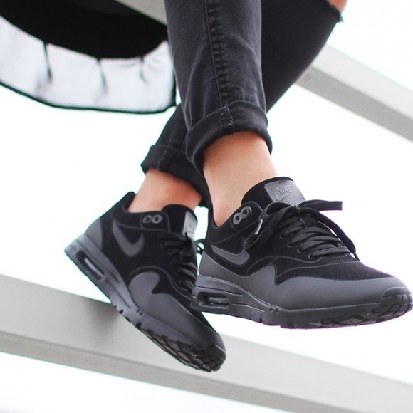 uk availability 8798d 893a5 Nike Triple Black Air Max 1 Ultra Moire Sneakers