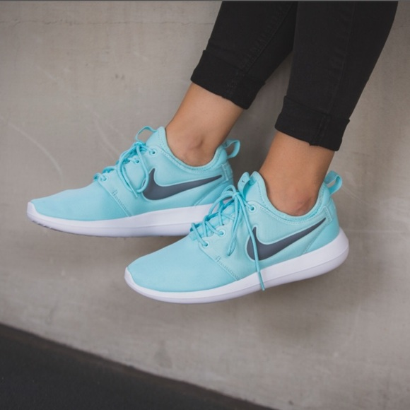 low priced 467a4 f8da1 💥New💥 NIKE women s copa Roshe Two ~ sz 8