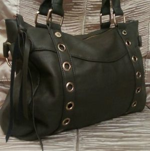 Steve Madden Handbags - Steve Madden Purse - Beautiful Design