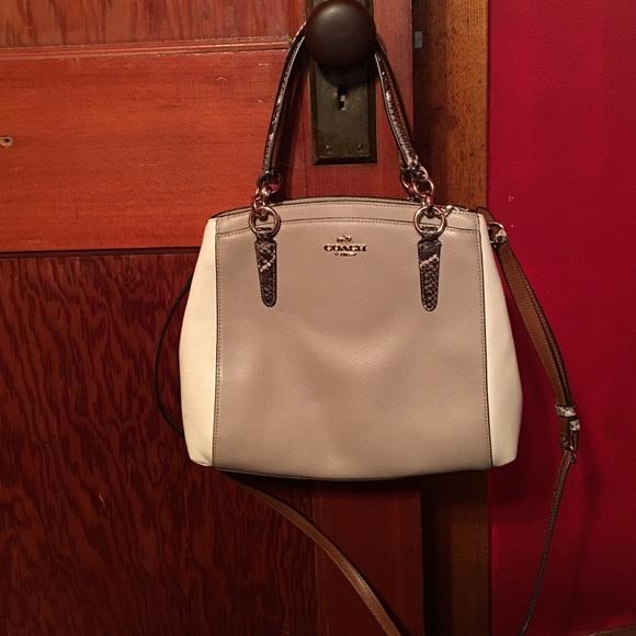 147f0b1144fdc Coach Handbags - Coach cross grain leather Minetta cross body