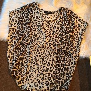 Larry Levine Tops - Cheetah print flowy top nwot