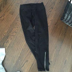 Black zipper ankle maternity leggings