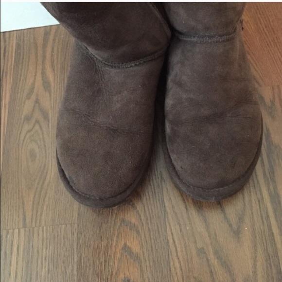 Ugg Classic Short Size 6