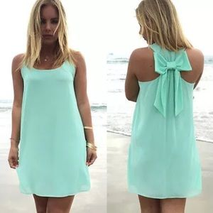 Makie Dresses & Skirts - Mint green bow back shift dress BNWT
