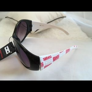 Accessory Collective Accessories - Large oversized DG Eyewear