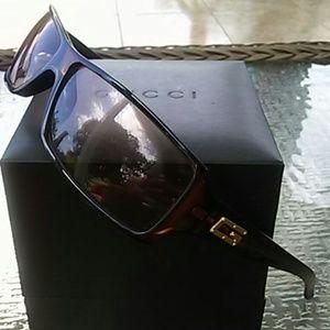 Auth GUCCI Havana tortoise shell sunglasses
