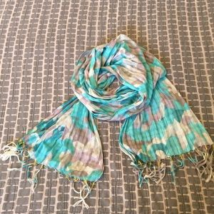 Banana Republic Accessories - Banana Republic Lightweight Scarf