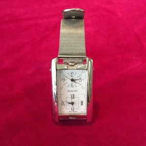 Avalon Accessories - Silver mesh band watch