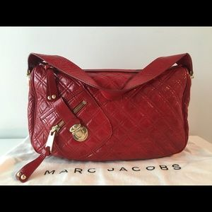 MARC JACOBS URSULA HOBO CRINKLE EFFECT RED PATENT