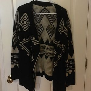 Luxe Essentials Apparel Sweaters - Cozy Aztec Sweater/Cardigan