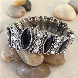 Antique Silver Tone Bracelet With Rhinestone