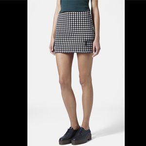 Topshop Dresses & Skirts - Topshop Mini Skirt Size 8