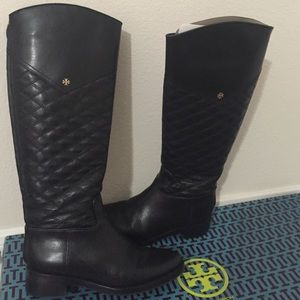 Tory Burch Size 7 black quilted leather boots