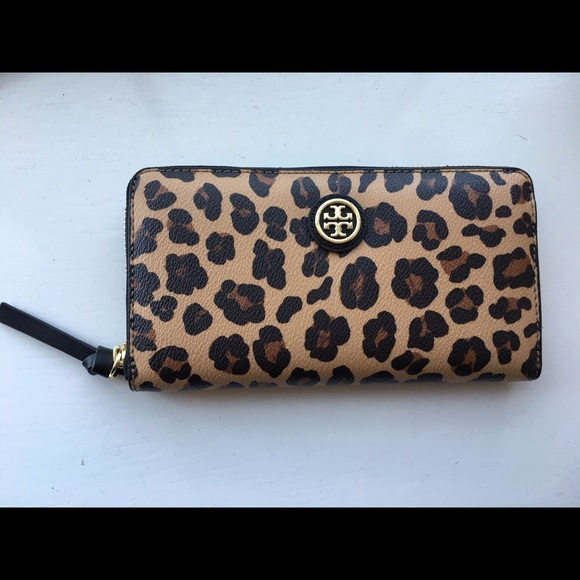 656c34afd558 100% authentic Tory Burch cheetah print wallet