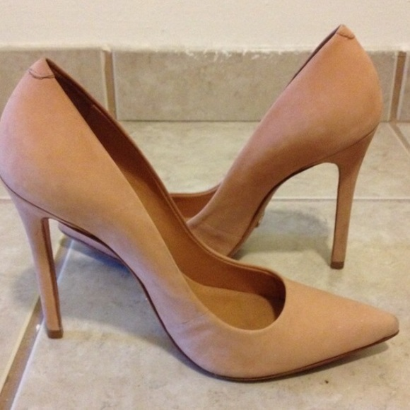 75% off SCHUTZ Shoes - Schultz nude heels size 6 from Chelsey&39s