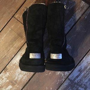 5d9e34849a55 Big Fluffy Ugg Boots