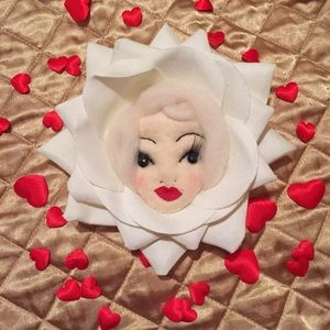 Amanda Fatherazi 🌹 White Rose Doll Brooch