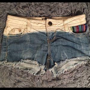 Hot kiss shorts