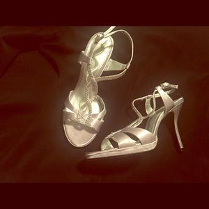 Aminco Shoes - Ladies silver heels size 5