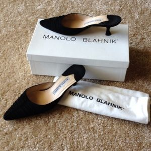 % Authentic Manolo Blahnik Kitten Heels Slide