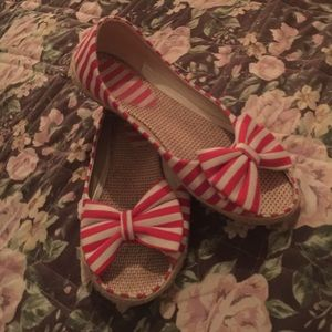 Peep toe flats size 8