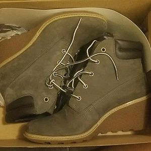 Gray timberland wedge boots sz 9.5