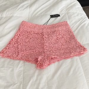 Honey Punch Pants - Honey Punch Crochet Coral Shorts- Sz: M- NWT!