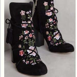 195836e0db7e80 Sam Edelman Shoes - Anthropologie Winnie embroidered suede boots NEW