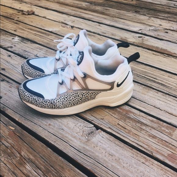 16d581221a06e Nike Shoes - Custom-Made Nike Cheetah Huaraches