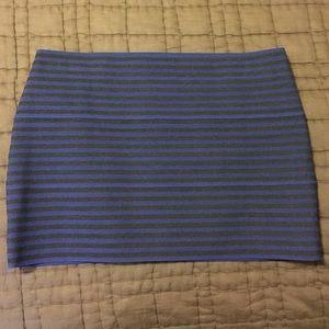 Dresses & Skirts - Banded mini skirt