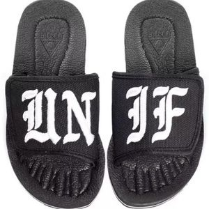 NWT 5 UNIF Black & White Slides
