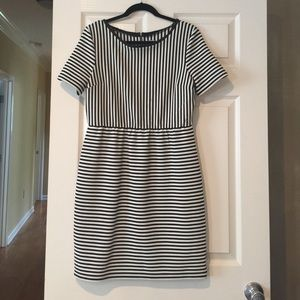 Daniel Cremieux Dresses & Skirts - Cremieux Black & White Striped Dress (ZipperBack)