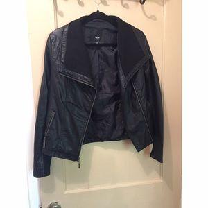 Black leather jacket! 💕