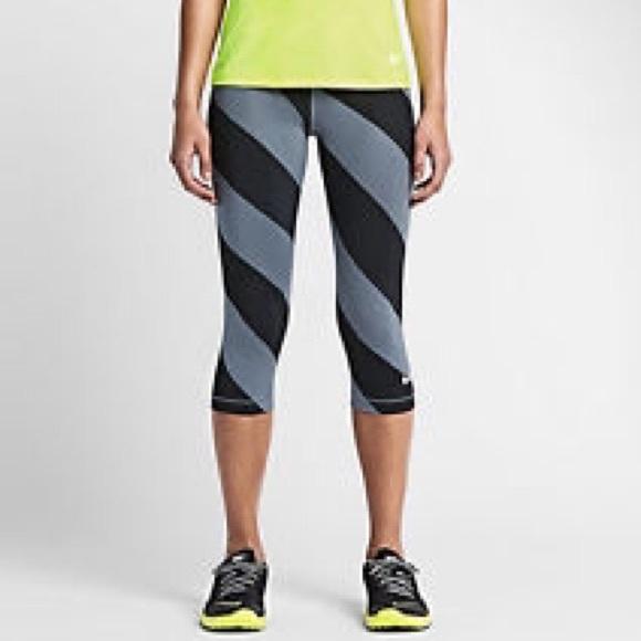 Nike pro dri-fit women s Capri tights XL NWT 8cd62073c