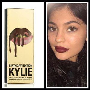 Kylie Birthday Leo lip kit