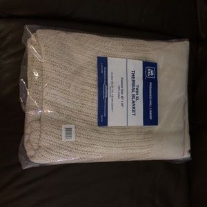 ❗️Sold ❗️Twin XL Thermal Beige Blanket