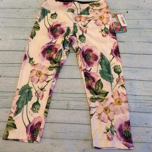 c110be53eb0907 LuLaRoe Pants | Jade Size Small | Poshmark